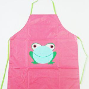 Zástera žabka je vhodná pre deti na výtvarnú výchovu. Zástera je umývateľná a vodeodolná. Na zaväzovanie.