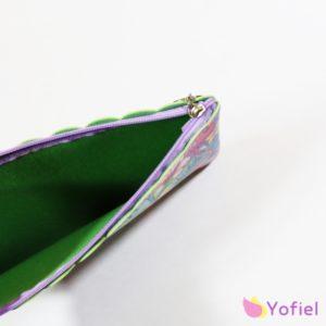 Kozmetická taštička so vzorom PLAMENIAK. Vhodný na kozmetiku či iné drobnosti. Exotické vzory, krásne farby.