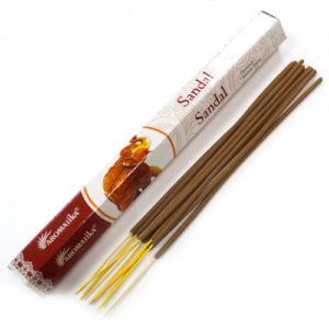 Aromatika Premium vonné tyčinky - Santalové drevo Ručne valcované podľa tradičnej ajurvédskej receptúry v Indii. Pri výrobe sa používa iba prírodný