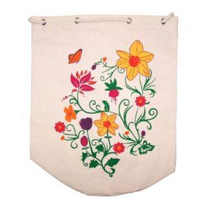 Nákupná bavlnenená eko taška vhodná na nákupy s potlačou - letné kvety. Sťahuje sa šnúrkou. Taška je vhodná na rameno alebo do ruky a je to ekologická alternatíva k plastovým taškám. Milovníci zero waste ju určite ocenia.