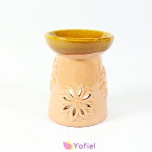 Keramická aromalampa Kvet je skvelá pre použitie s vonnými olejmi alebo vonnými voskami. Vďaka krásnej keramike je to tiež atraktívna dekorácia.