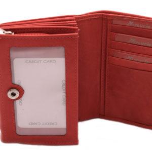 Dámska kožená peňaženka MERCUCIO - červená strednej veľkosti so zapínaním na kovový patent.