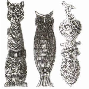 Kovový stojan na vonné tyčinky - zvierací motív Pevný kovový stojan s motívom zvierat - mačka, sova, páv. Materiál: kov