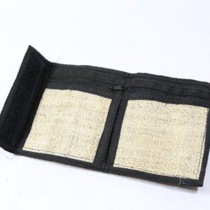 Konopná peňaženka - magické oči na suchý zips Vnútro peňaženky tvorí priehradka na bankovky, na mince a iné doklady. Materiál: 100% konope