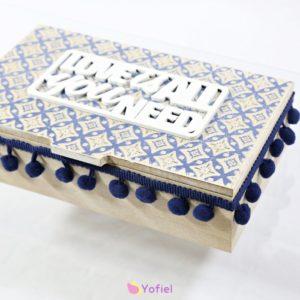 BOHO drevená krabička šperkovnica Drevená krabička na drobnosti alebo šperky s nápisom a vzormi. Boho / etno štýl.