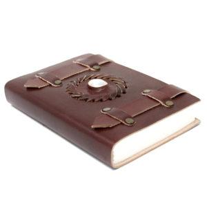 Kožený linajkovaný zápisník – Mesačný Kameňje kameňom nových začiatkov. Ako napovedá jeho meno, je silno spojený s Mesiacom a intuíciou