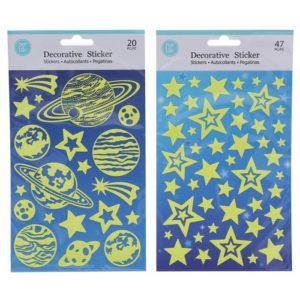 Vesmír - nálepky svietiace v tme Fosforové nálepky sú zaujímavou dekoráciou nie len do detskej izby.Jednoducho ich nalepte na hladkú plochu a večer