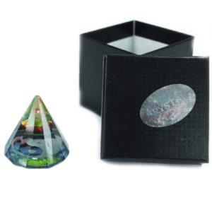 12 stranová Jin Jang pyramída Krásny energetický žiarič a dekorácia v jednom. Uchváti vás svojim čarovným vzhľadom. Dodávame v pevnej darčekovej krabičke.