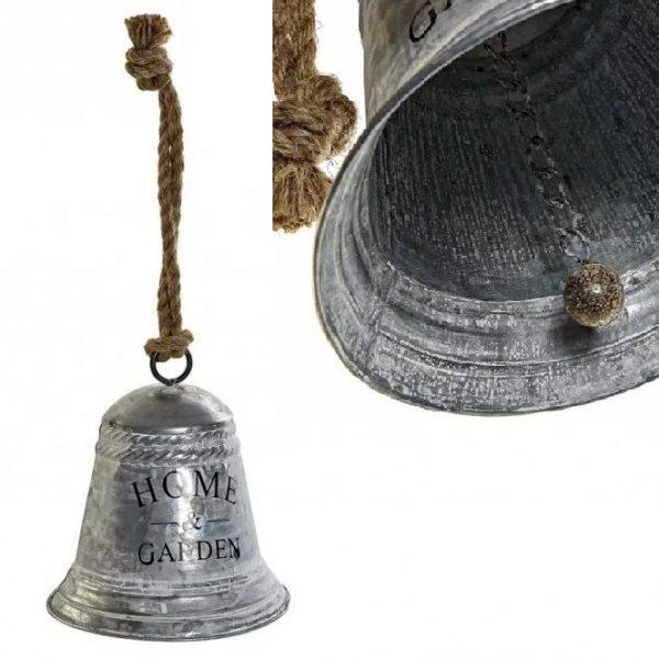 Kovový dekoračný zvon s nápisom Zvonček vo Feng Shui priťahuje pozitívne energie, šťastie, hojnosť a bohatstvo.