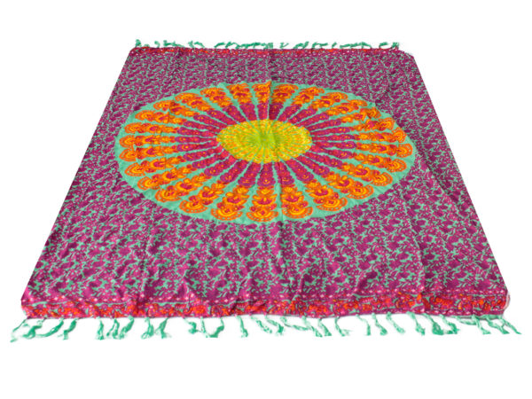 Sarong fialová mandala 140x100 cm Sarong z príjemného materiálu má presne takú veľkosť, aby sa dal omotať okolo tela.
