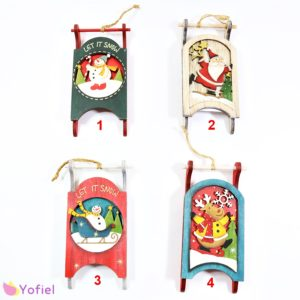 Vianočné drevené dekorácie Sane Závesná drevená dekorácia aj na vianočný stromček. Na výber zo štyroch variantov