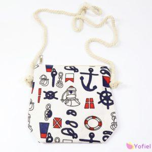 Kabelka námornícky vzor Menšia kabelka s vintage vzorom Rozmery: 19,5x20cm Materiál: bavlna, polyester
