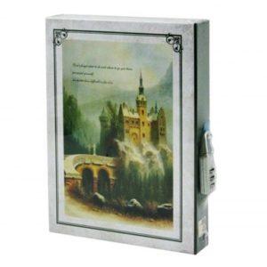 Linajkovaný zápisník so zámkom na číselný kód Hrad Zápisník s tvrdým ochranným obalomRozmery: 20x5 x14,5 cm Materiál: papier