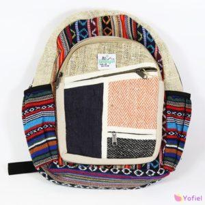Konopný batoh Himalayan II je vyrobený v Katmandu v Nepále.Tieto trendové konopné Ruksaky sú vyrobené z čistého konope a bavlny