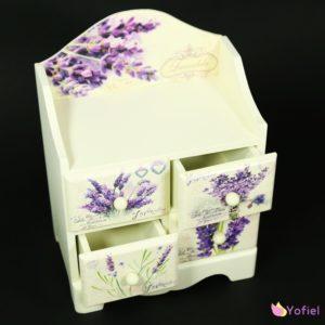Drevená skrinka Provensal - levanduľa Skrinka/šperkovnica vo vintage štýle so šuflíkmi a motívom levanduľa.
